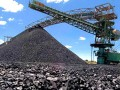 Украина в сентябре снизила добычу угля в два раза