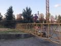 В центре Ужгорода упал строительный кран