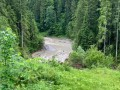 В Карпатах оползень уничтожил горное озеро