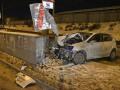 В Киеве подрезали автомобиль и он влетел в отбойник