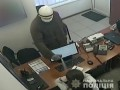 В Киеве иностранец грабил аптеки, распыляя слезоточивый газ