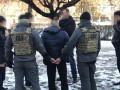 В Александрии двух полицейских уличили в