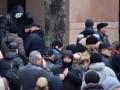 В офисе компании Ахметова неизвестные взломали двери и разбили камеры