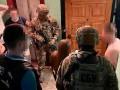 Полицейских поймали на вымогательстве денег у наркозависимых