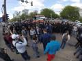 Слезоточивый газ и оружие: на Позняках возникли стычки между титушками и местными жителями