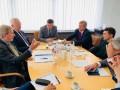 Еврокомиссар Хан рассказал о встрече с Зеленским