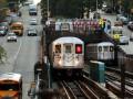 В метро Нью-Йорка мужчина с ножом напал на пассажиров: есть пострадавшие