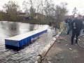 В Черниговской области грузовик упал с моста в реку, две жертвы