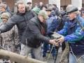 От сторонников Саакашвили требуют убрать палатки с Грушевского