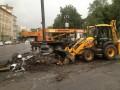 В Киеве начали демонтаж баррикады на улице Грушевского