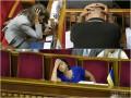День в фото: Заседание в Раде, проблемы с бензином и гигантская колбаса