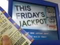 Канадец почти год скрывал от семьи выигрыш в лотерею