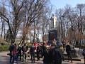 В Киеве С14 сорвали акцию возле памятника Ватутину и облили его краской