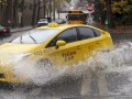 В Сингапуре таксист вернул пассажирам забытые ими 900 тысяч долларов