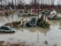 В Закарпатской области затопило кладбище