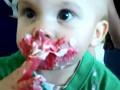 Первый в жизни тортик: Подборка ВИДЕО измазанных в шоколаде детей