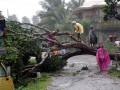 Лучшие ВИДЕО дня: Разрушительный тайфун на Филиппинах и неадекватные водители