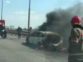 На Южном мосту в Киеве загорелся автомобиль: образовалась пробка