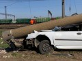 Под Одессой легковушка сбила электроопору