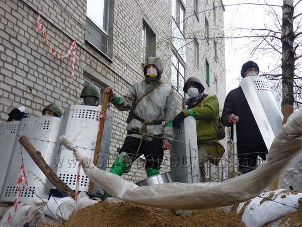 В Славянске идет укрепление блок-постов