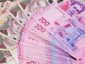 Азаров пообещал повысить зарплаты