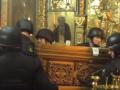 Драка за мощи в Суздале: прихожанка обзывала силовиков бандеровцами