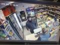 Угрожал пистолетом: во Львове поймали серийного грабителя