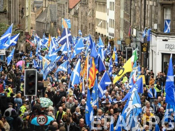 В акции приняли участие около 20 000 человек