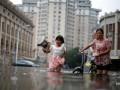 В Китае из-за наводнений погибли более 60 человек