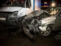 В Киеве столкнулись Газель и Ниссан: пострадал человек