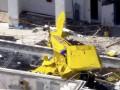 В США самолет врезался в жилой небоскреб