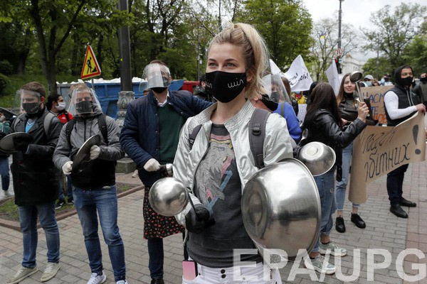 В Киеве за сутки коронавирусом заразились 77 человек