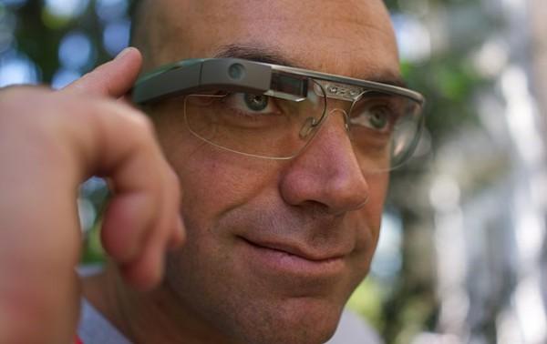 В США начали продажу очков Google Glass.