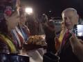 Супруга Нетаньяху скандалила в самолете и, прибыв в Киев, бросила на землю хлеб-соль