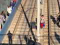 В Киеве самоубийца прыгнул с моста под скоростной трамвай