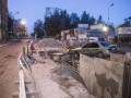 В Киеве Daewoo Lanos въехал в строительный котлован