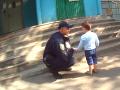 Попросила присмотреть за детьми и пропала: в Харькове патрульные обнаружили брошенных детей