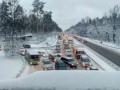 Снежного коллапса пока нет: Укравтодор расчищает автомагистрали