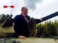 Российский депутат застрял в танке на 5 часов