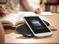 Магазины отказываются от продаж главного конкурента iPhone