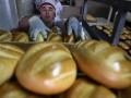 Возмущенные закрытием комбината пекари начали голодовку под зданием Кабмина