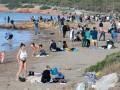 В Греции аномальное тепло: люди купаются в море