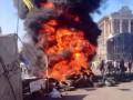 В Киеве с дракой убирают баррикады на Майдане, горят шины (фото, онлайн)