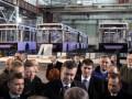 Янукович, побывав на ЛАЗе, пообещал увеличить госзаказ для предприятия