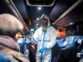 Боровшийся с коронавирусом китайский врач умер от переутомления