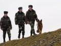 Украинец перетягивал из Молдовы через Днестр бочки с семью тоннами спирта