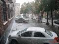 Показано видео, как Днепр накрыл ураган с крупным градом