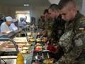 Больше мяса и бананы: чем будут кормить украинских солдат