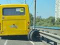 В Киеве у маршрутки на ходу отлетели колеса