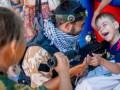 Оккупанты учат крымских детей реагировать на вызовы и дают оружие